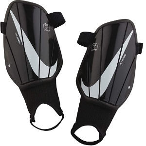 Espinilleras Nike con proteccion de tobillos y sujeción de pie