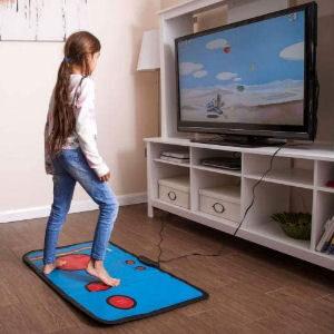 Juego retro para niños con alfombra táctil y juegos incluidos