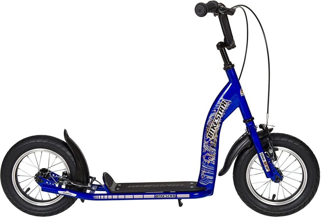 Scooter con manillar y frenos